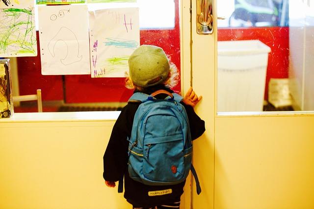 s batohem do školy