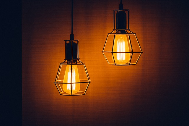 dvě lampy.jpg